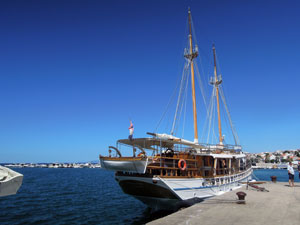 Výletí lodí Novalja