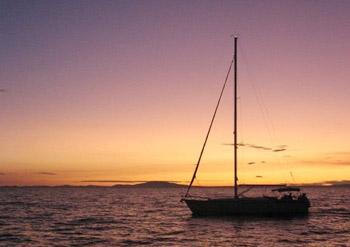 Výlet lodí na západ slunce